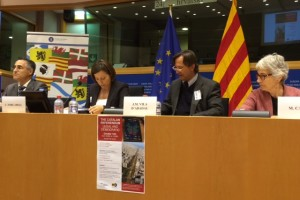 SOLIDARIDAD ACTIVA CON CATALUÑA. NECESITAMOS UN ARBITRAJE EUROPEO CONTRA EL AUTORITARISMO DE ALGUNOS ESTADOS