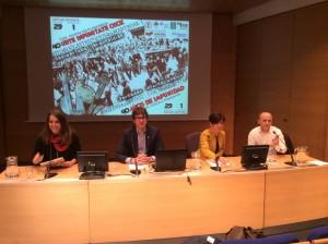 Nerea Martínez, Gorka urtarán Izaskun Bilbao y Josu Juaristi abriendo las jornadas de Gasteiz en el cuarenta aniversario del tres de marzo