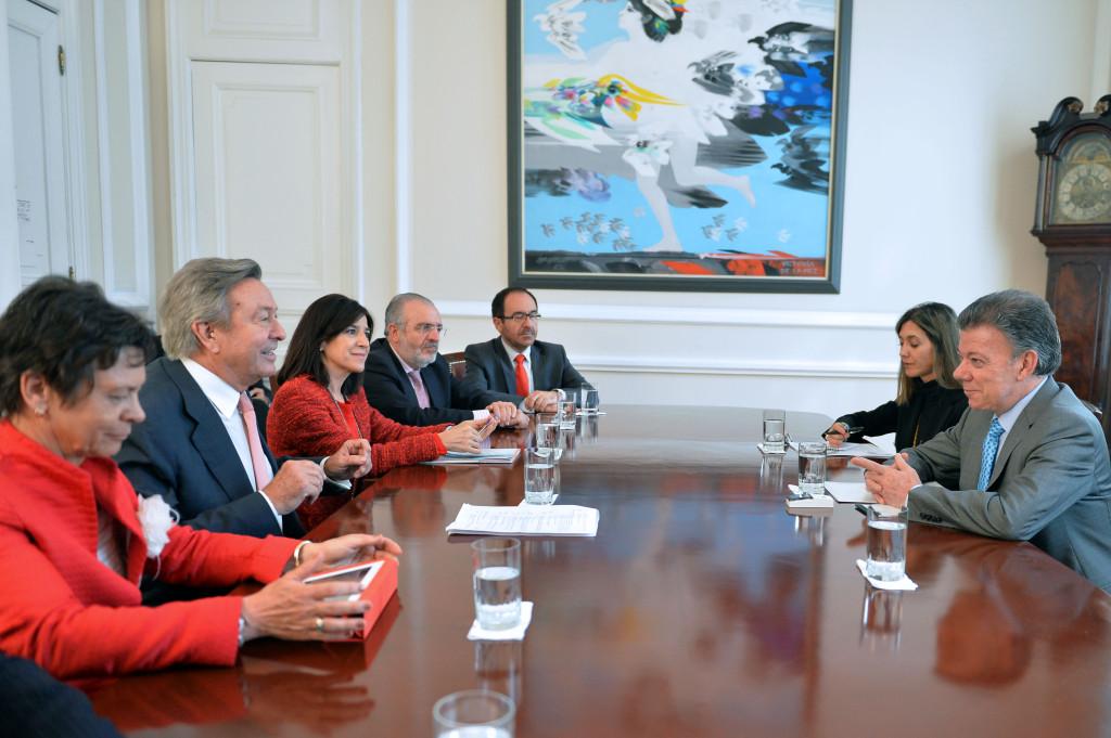 El presidente Santos con la delegación del Parlamento Europeo