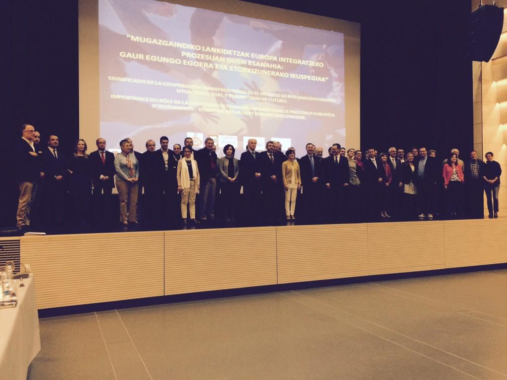 Los asistentes al seminario sobre cooperación transfronteriza ayer en Hondarribia
