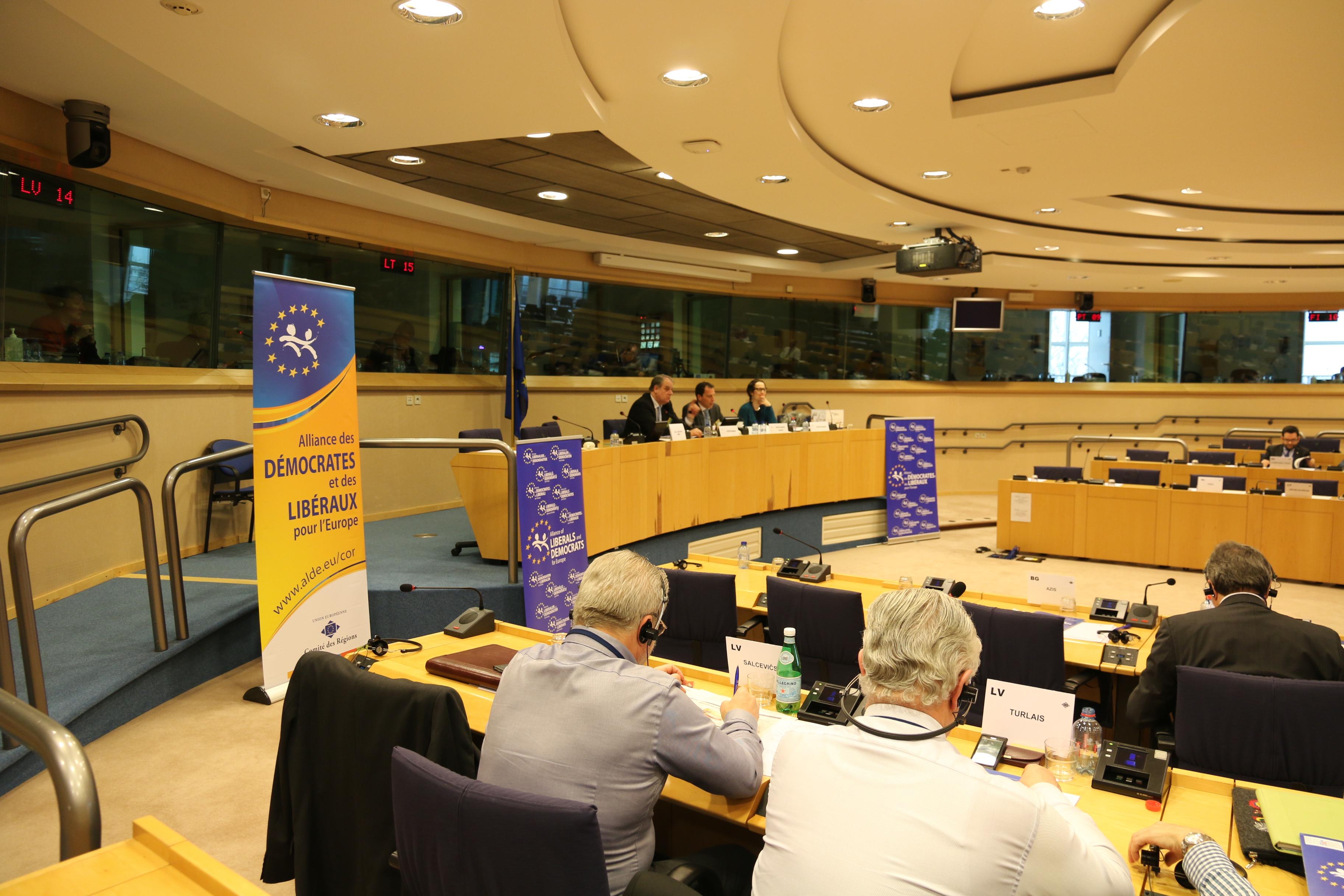 La sesión inaugural de la legislatura en el Comité de las Regiones. Seminario del grupo ALDE