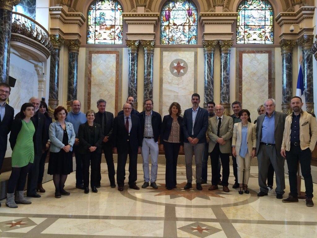 La delegación al completo, en el Ayuntamiento de Donostia