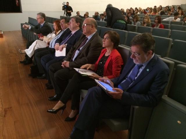Poco antes de comenzar la Mesa redonda con Juan Luis Ibarra, Juan Calparsoro, Juan María Aburto, Inigo Pombo y Julia Hernandez