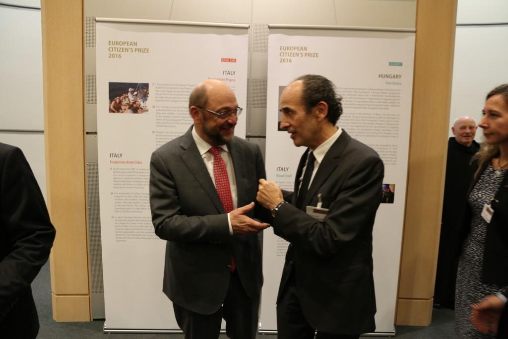 El presidente de Gautena Juan Cid, departiendo con el Presidente de la Euro Cámara Martin Schulz