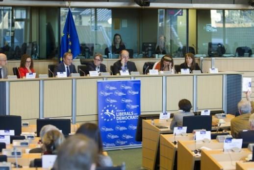 El president del Consejo en una reunión con el grupo ALDE en el Parlamento Europeo sobre la última cumbre de Bruselas.