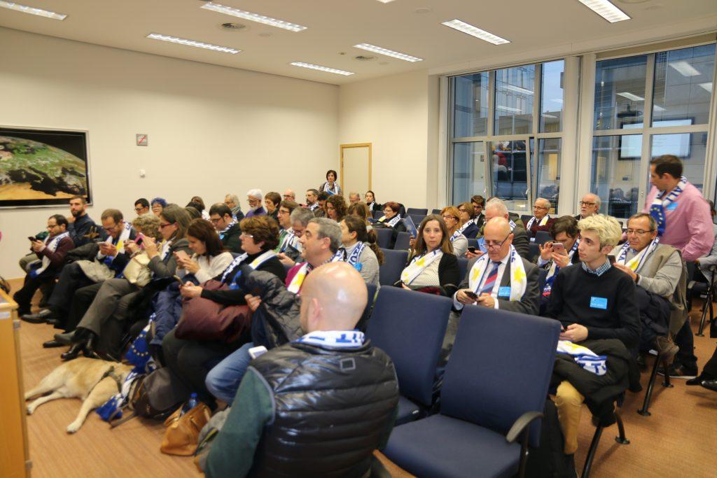 El grupo del CERMI que nos visitó ayer en Bruselas.